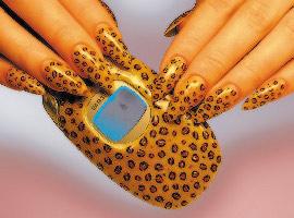 На ногтях и картину айвазовского