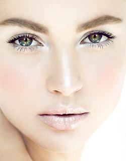 как сделать выразительные глаза на фото