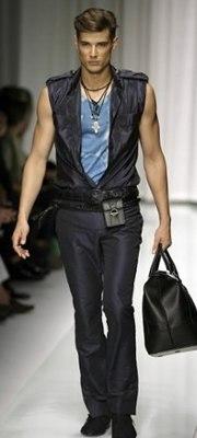 В Милане проходит неделя мужской моды.