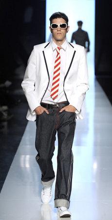 ... Жан-Поль Готье (Jean Paul Gaultier)  новая коллекция мужской одежды  сезона весна ... 7a8a0c10080bc